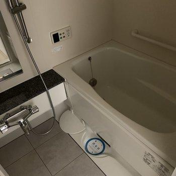 お風呂もゆったりと入れそう◎