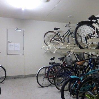 自転車はAL内に。