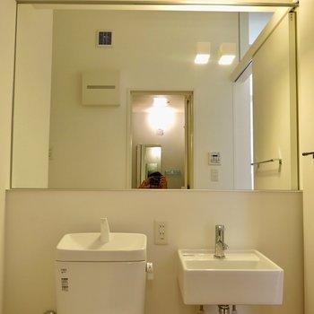 一面鏡! ※写真は1001号室です