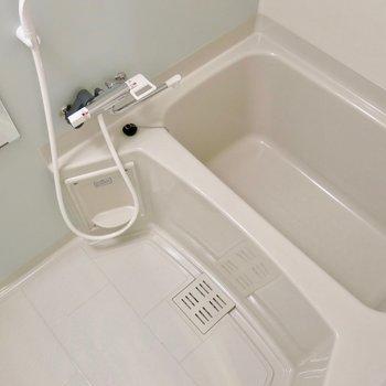 ピカピカのお風呂! ※写真は1001号室です