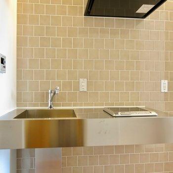 洗練されたキッチン…! ※写真は1001号室です
