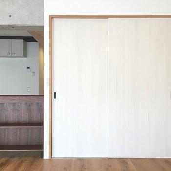 大きめの扉が、、、