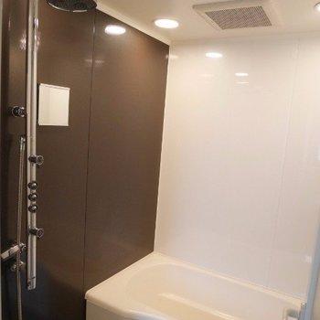 おしゃれなシャワーです※写真は別部屋です