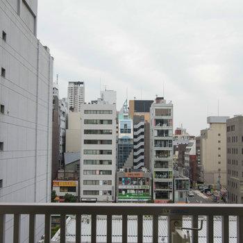 街中の風景ですね ※写真は別部屋です。