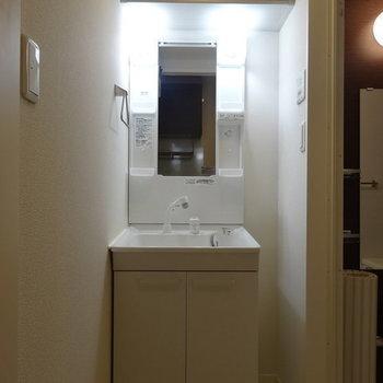独立洗面台きれいです◎※写真は同じ間取り103号室