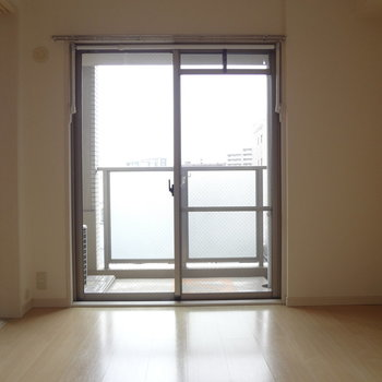 寝室に窓があるってうれしいな。