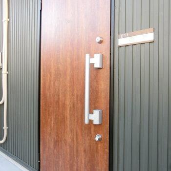 211号室への扉
