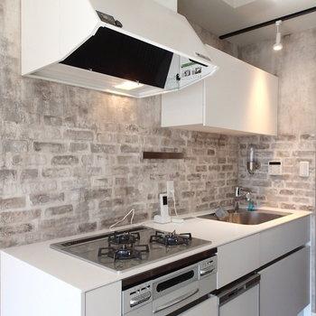 キッチンはなんと食洗機つき!
