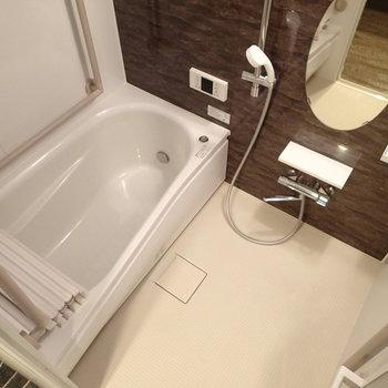お風呂も新品交換。
