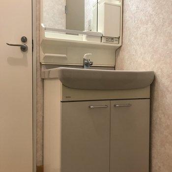 洗面はシンプルに。