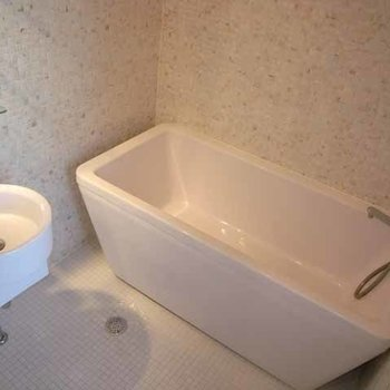 洗面台とバスの2点ユニットです※写真は同間取り別部屋です