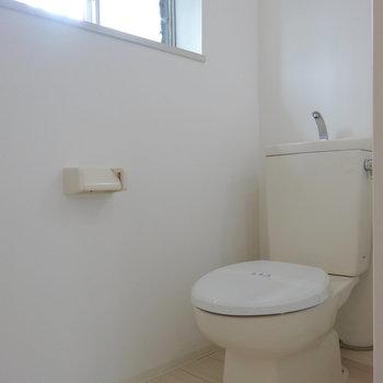 トイレも!お〜ここにも窓!