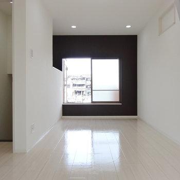 2階の居室も2人暮らしには十分すぎるくらいの広さ◎
