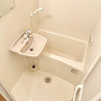 浴室乾燥機付き!テレビはアナログ専用で現在は使えません。(※写真は清掃前のものです)