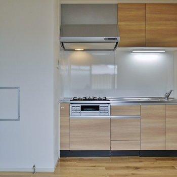 キッチンも優しい色合いで統一※写真は前回募集時のもの