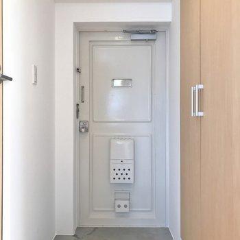 玄関はこんな感じ。※写真は、前回撮影時のもの