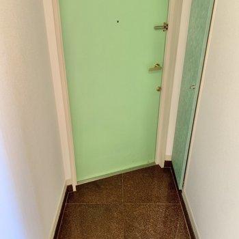 台形の玄関。