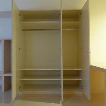 収納ボックス大きめ!いっぱい入ります!*写真は別のお部屋です。