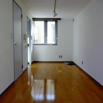 長方形の9帖のお部屋!※写真は別部屋です