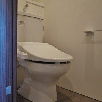 トイレは普通にキレイ!※写真は別室です。