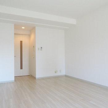 ゆったりとしたお部屋、広い(※写真は8階の同間取り別部屋のものです)