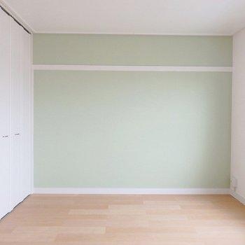 【別部屋】パステルカラーのお部屋もあります。