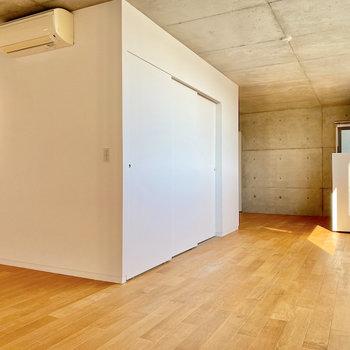 キッチンは扉で仕切れますよ。