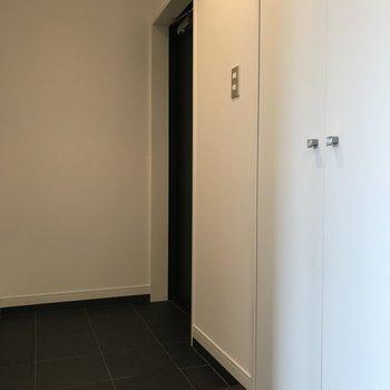 シンプルでキレイな玄関です。