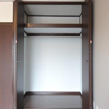 玄関側の居室のクローゼットはがばっと大容量