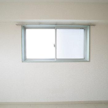 この小窓カワイイ