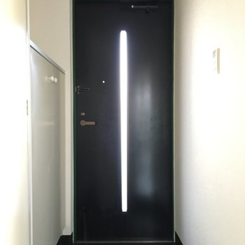 玄関はすっきりと。