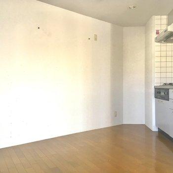 キッチンです!スペースいい感じ〜