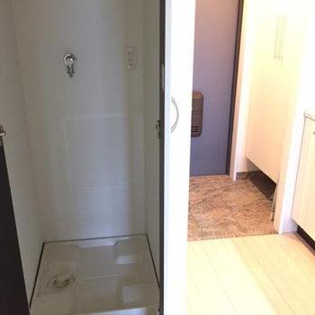 洗濯機置き場は隠せるのです(※写真は5階の同間取り別部屋のものです)