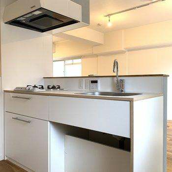 キッチンは大きめです!
