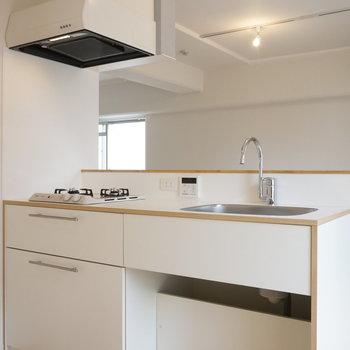 2口ガスコンロのカウンターキッチンが魅力 ※写真は前回工事の505号室です。