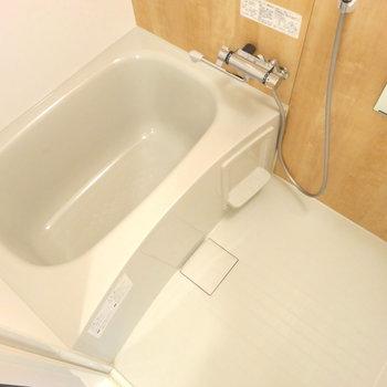 お風呂は新品のユニットバス入れました!