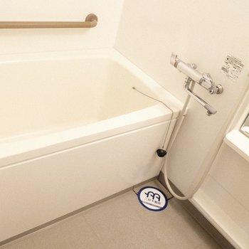 お湯の温度調整もしやすいな♪ ※写真は1階の反転間取り別部屋のものです
