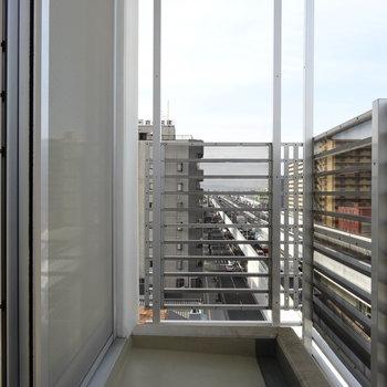 普通のバルコニーは6,7階に1つずつ。