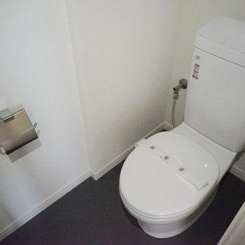 トイレも新品に♪