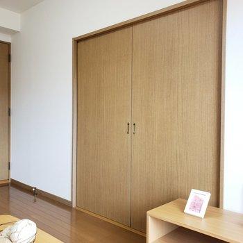 閉めて個室で使うのもアリですね!ちなみにOPENにすると・・(※写真は6階の同間取り別部屋、モデルルームのものです)