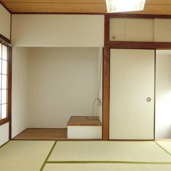 こちらは2階の和室