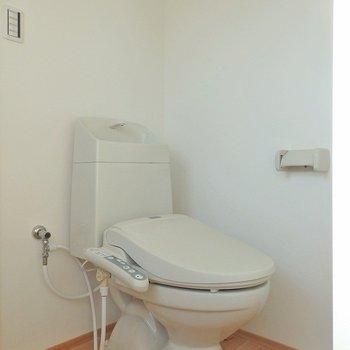 トイレはウォシュレット。 ※写真は別部屋
