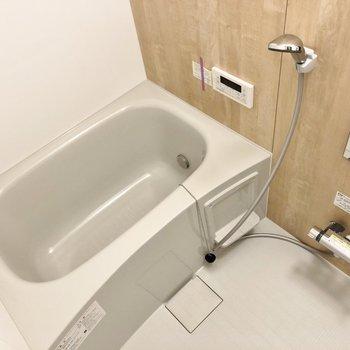 追い焚き付きのお風呂は新品です◎