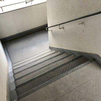 共用部】ゆるやかな階段なので5階も平気!