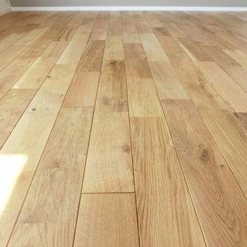 洋室の無垢床
