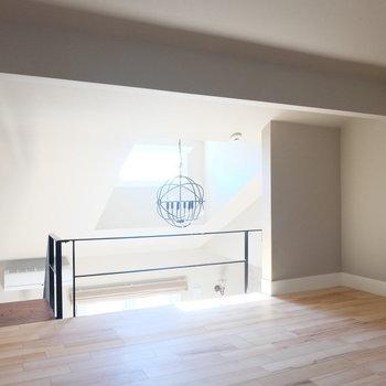 窓からの光が◎※写真は反転した間取りのお部屋です。
