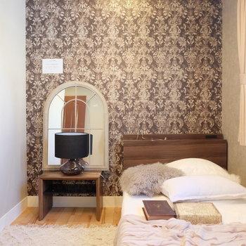 北窓の安定した光※写真は反転した間取りのお部屋です。