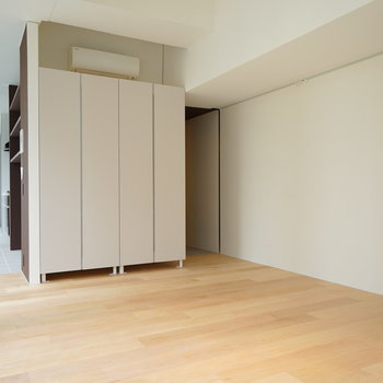 居室は無垢床です♪※写真は別部屋です