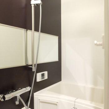 お風呂広い!※写真は同じ間取りの別部屋です。