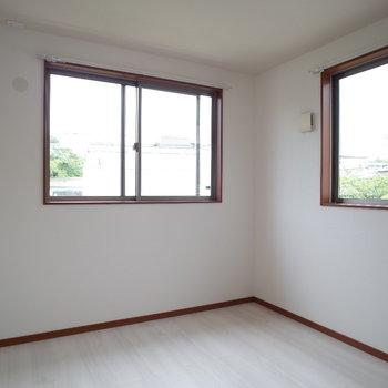 2階の洋室、1つ目の洋室♪